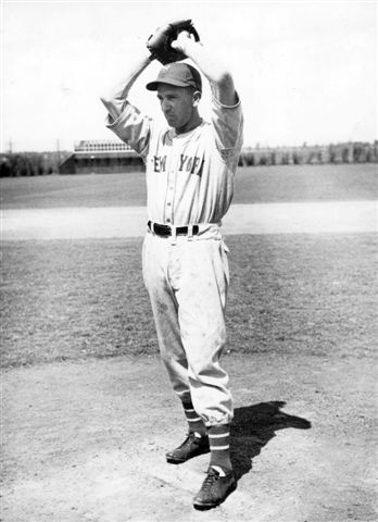 Carl Hubbell's distinctive pants style
